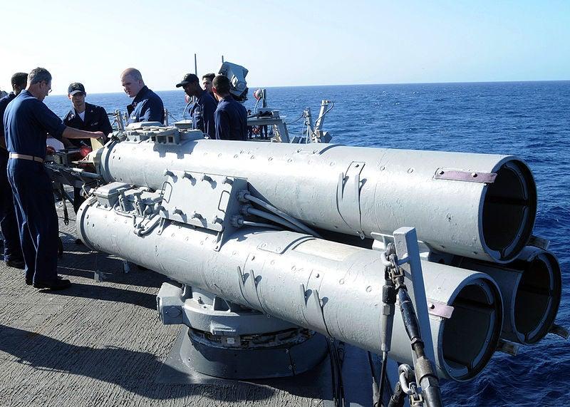 Mark 32 surface vessel torpedo tube