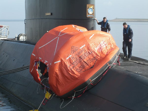 HNLMS Walrus with life raft