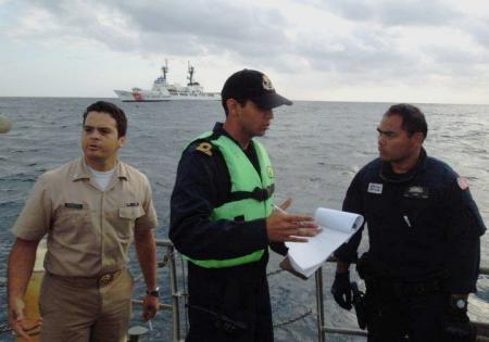Mexican Navy and US coast Guard personnel during exercise