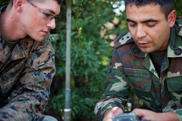 marines operate a radio