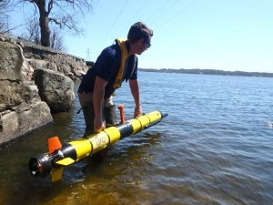 Oceanserver delivers next-generation AUV for water quality solutions with YSI systems and services
